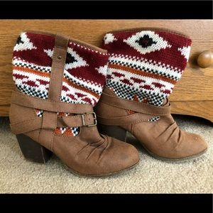 Route 66 Knit Patterned Short Booties Size 7